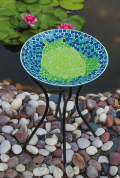 Evergreen Enterprises Bright and Cheerful Frog Mosaic Bird Bath with Stand (2GB224)