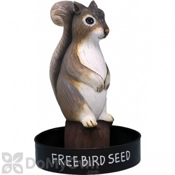 Songbird Essentials Sitting Squirrel Round Metal Tray Bird Feeder (SE3870234)