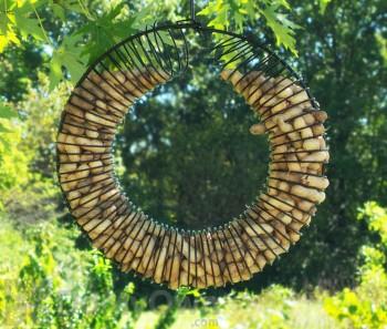 Songbird Essentials Black Wreath Ring Whole Peanut Bird Feeder (SE6019)